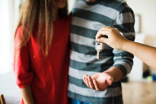 Zelf je huis verkopen: welke stappen onderneem je?